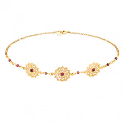 Choker with Latina rosettes
