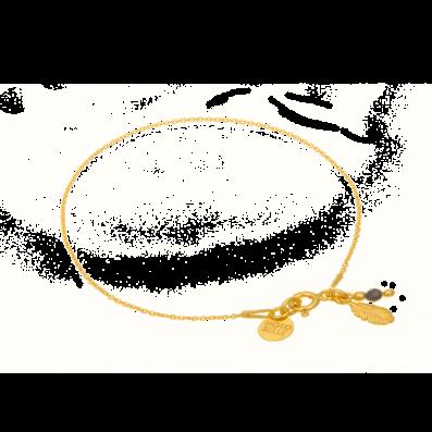 Bransoletka z piórkiem i spinelem