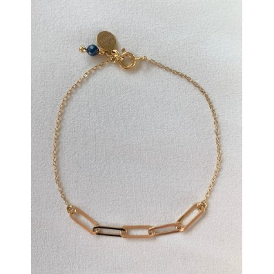 Chain bracelet with small sapphire stone