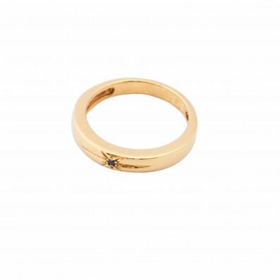 Pozłacany pierścionek z czarnym diamentem