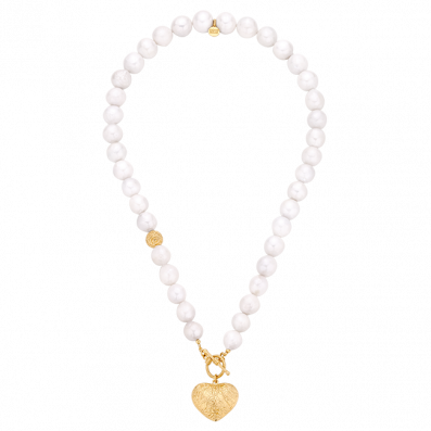 Natural pearls necklace with heart pendant