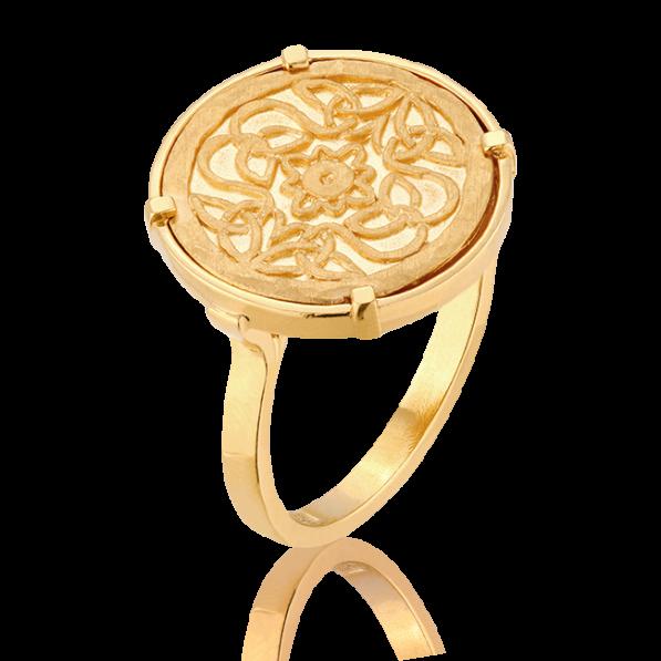 Signet ring with Mokobelle medallion