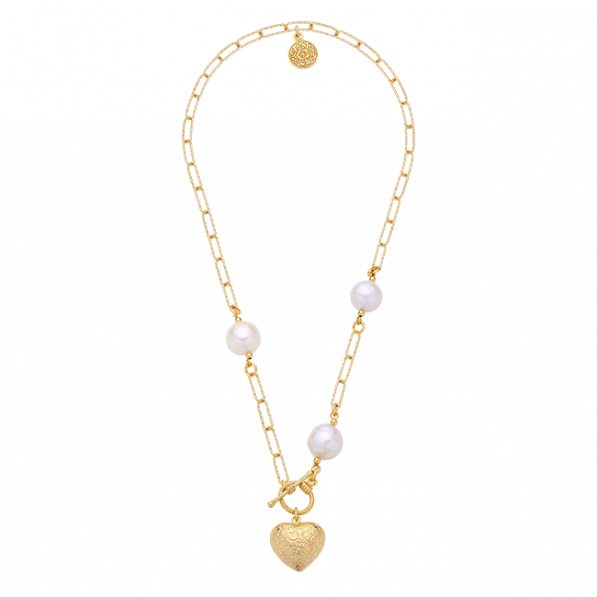 Chain necklace with heart pendant and pearls