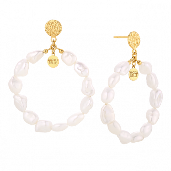 Circle pearl earrings